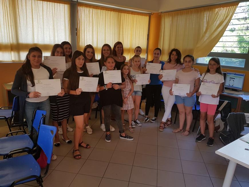 Girls - certificates
